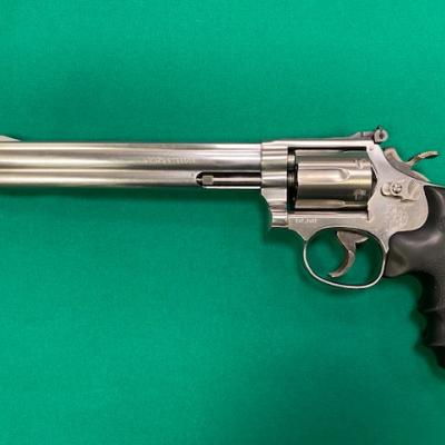 SMITH & WESSON 617  22L.R. 8-3/8